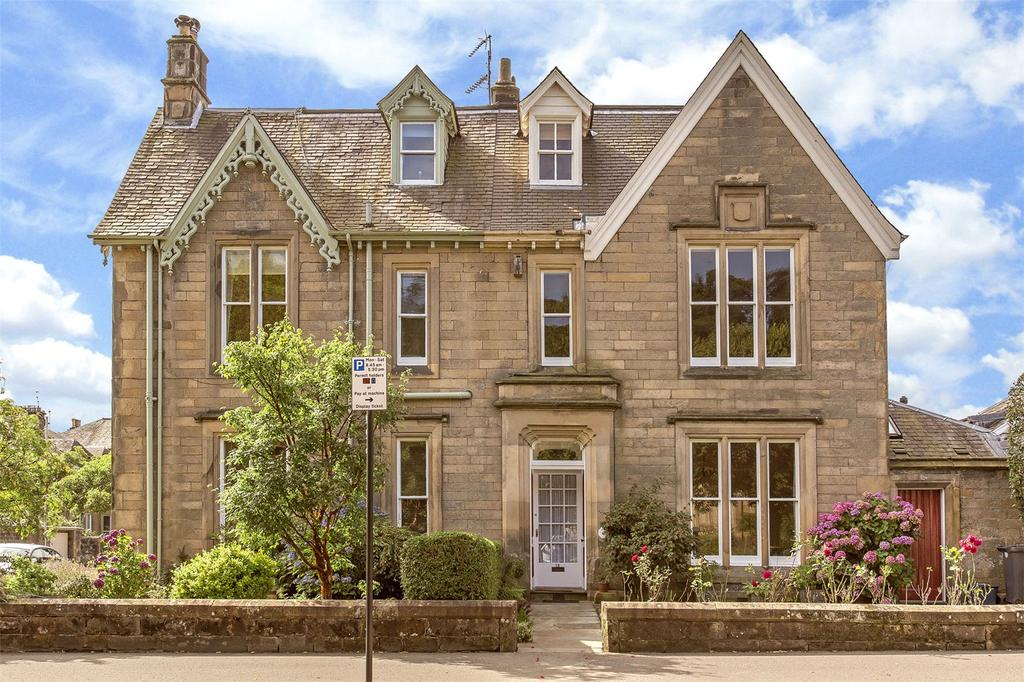5 Bedrooms Semi Detached House for sale in 19 Albert Place, Kings Park, Stirling, FK8