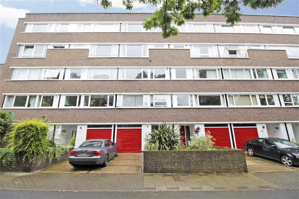 2 Bedrooms Maisonette Flat for sale in Holst Lodge, Bromley, Kent