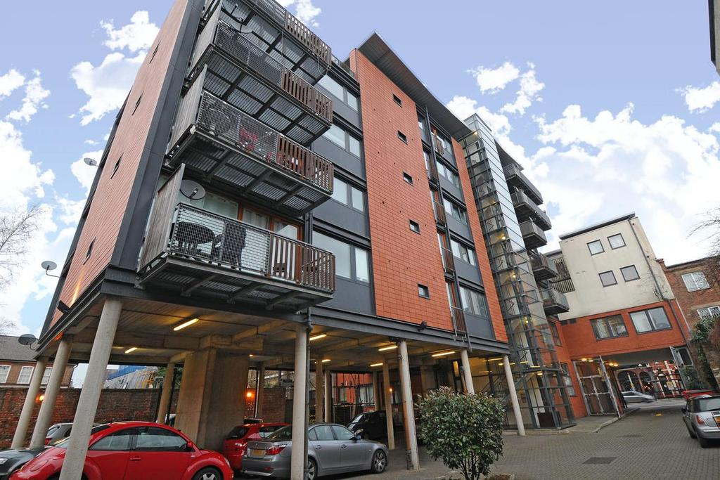 2 Bedrooms Flat for sale in Kilburn High Road, Kilburn