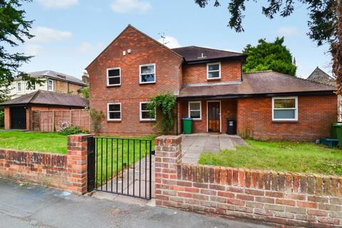 4 bedroom detached house to rent - Park Road, Watford