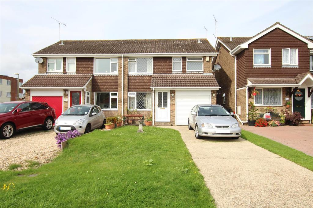 3 Bedrooms Semi Detached House for sale in Fair Oak Road, Bishopstoke, Eastleigh
