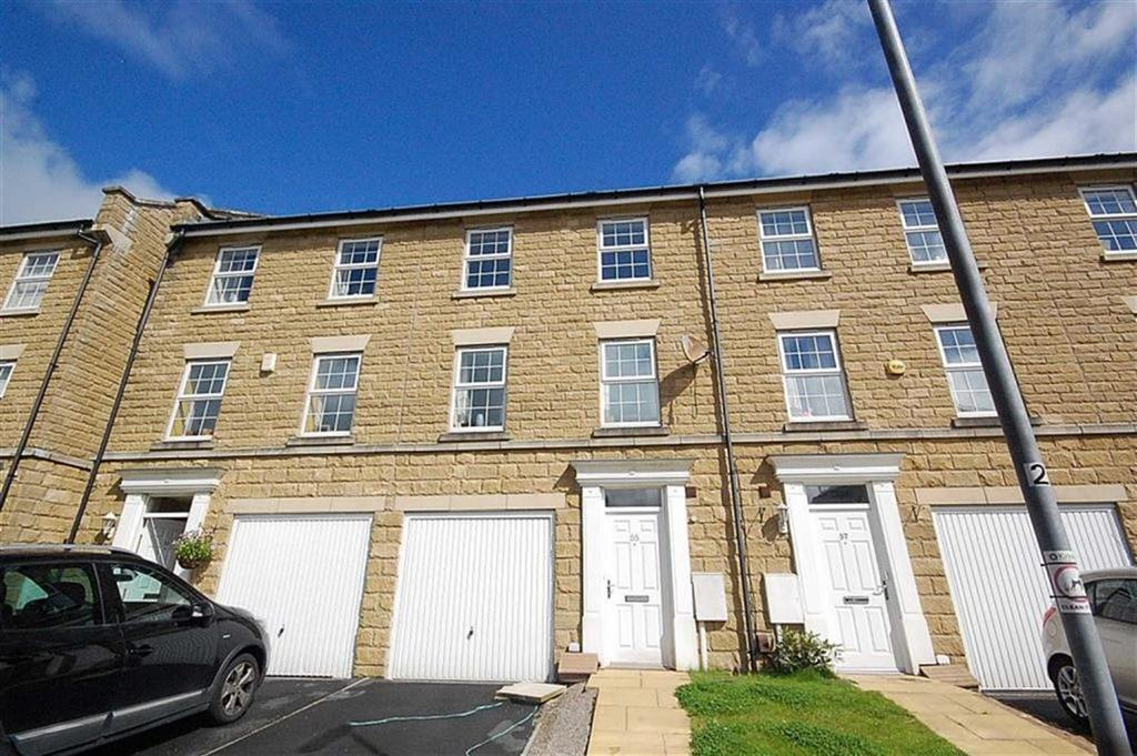 4 Bedrooms Town House for sale in Moorlands Edge, Mount, Huddersfield, HD3
