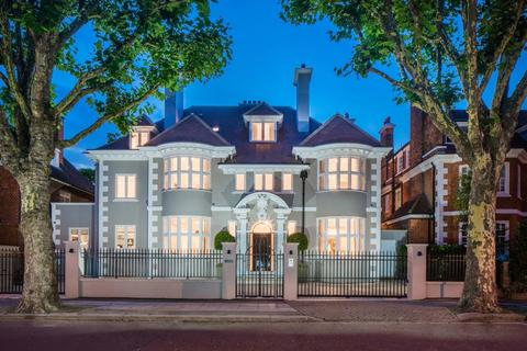 7 bedroom detached house for sale - Elsworthy Road, London, NW3