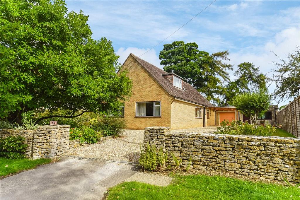 5 Bedrooms Bungalow for sale in Millwood End, Long Hanborough, Witney, Oxfordshire, OX29