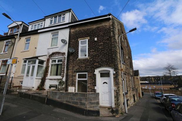 5 Bedrooms Town House for sale in Hampden Street, Little Horton, Bradford, BD5 0LA
