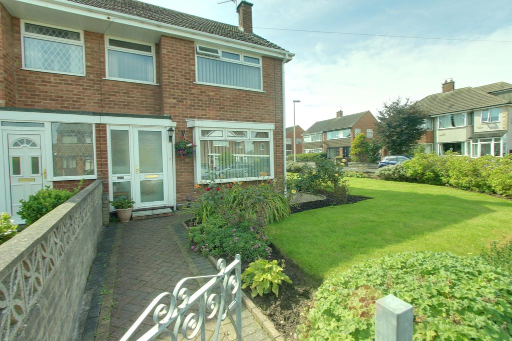 3 Bedrooms Semi Detached House for sale in BRIARWOOD DRIVE, BISPHAM FY2