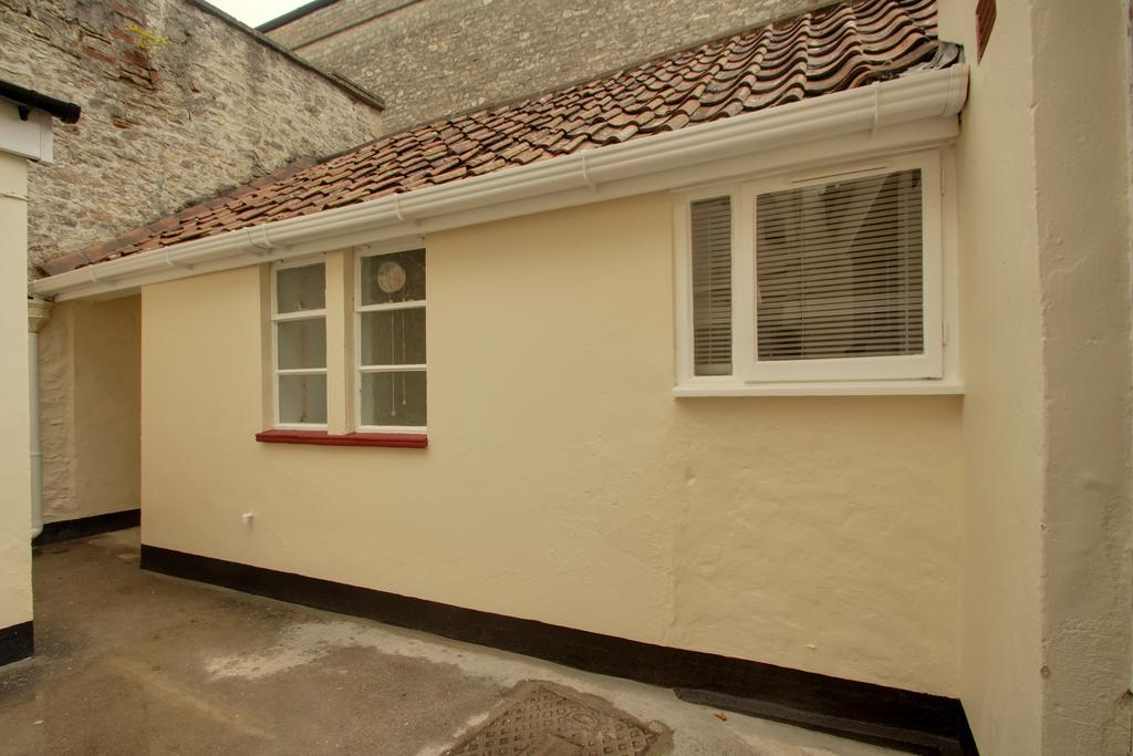 1 Bedroom Ground Flat for sale in SHEPTON MALLET