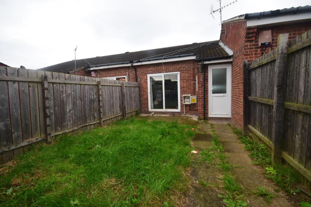 2 Bedrooms Terraced Bungalow for sale in The Parklands, Redcar TS10