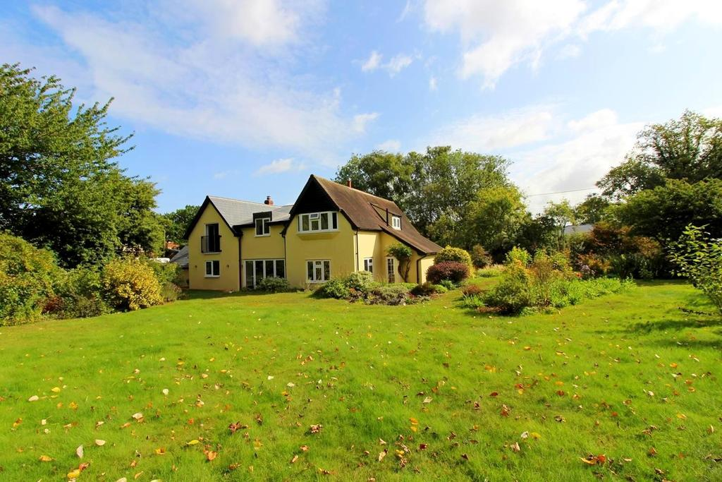 4 Bedrooms Detached House for sale in Kelvedon Road, Wickham Bishops, Essex, CM8