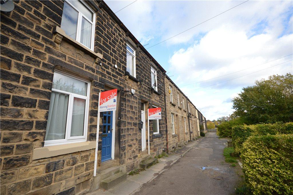 2 Bedrooms Terraced House for sale in Morton Terrace, Guiseley, Leeds, West Yorkshire