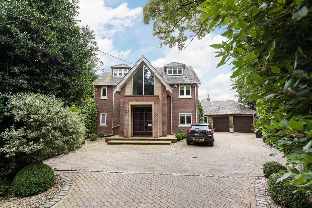 5 Bedrooms Detached House for sale in Catherine Road, Bowdon