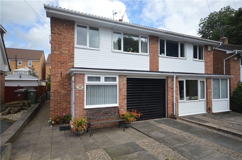 3 Bedrooms Semi Detached House for sale in The Coppice, Yeadon, Leeds, West Yorkshire