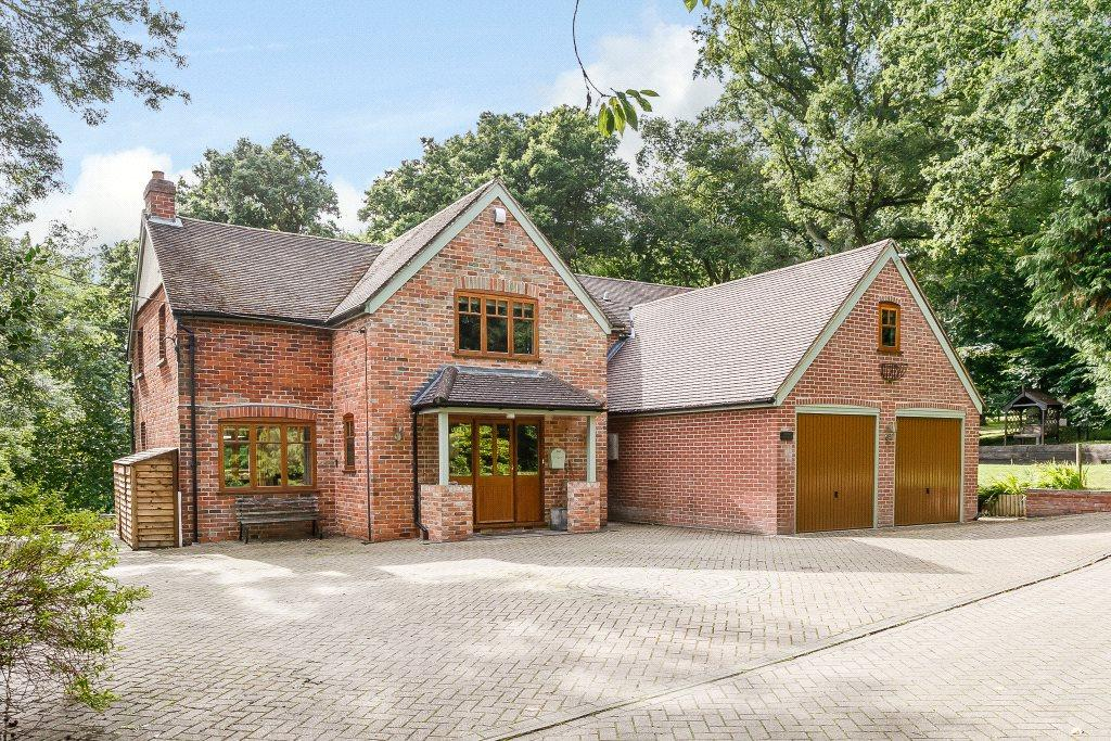 5 Bedrooms Detached House for sale in Clay Hill, Beenham, Reading