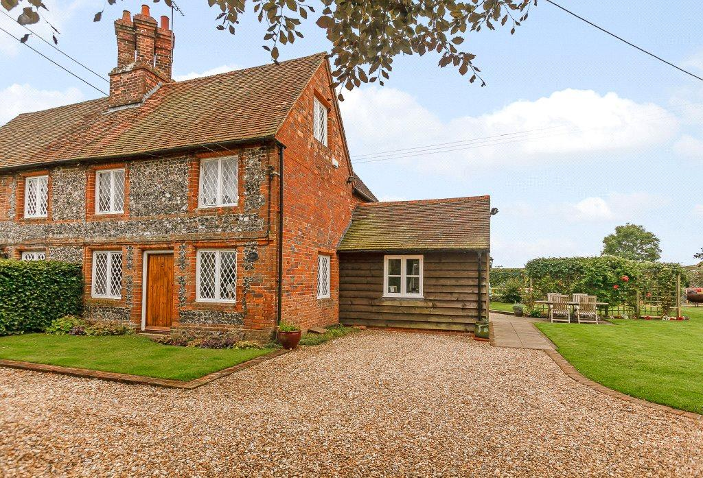 2 Bedrooms Semi Detached House for sale in Hill Corner Cottages, Ashampstead, Reading