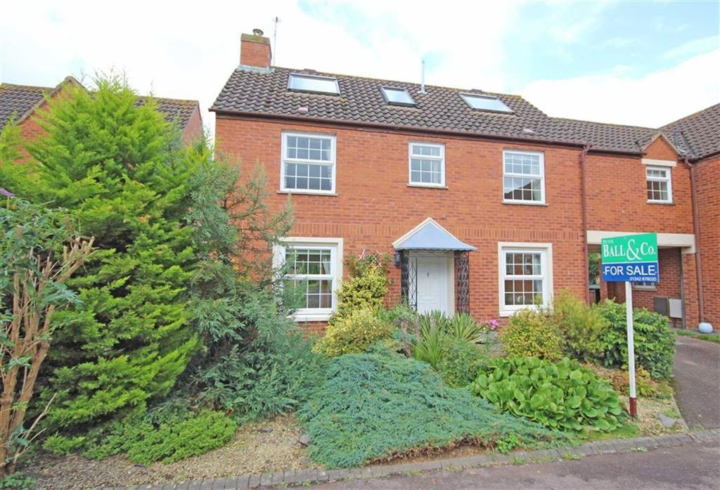 3 Bedrooms Link Detached House for sale in Buckland Close, Bishops Cleeve, Cheltenham, GL52