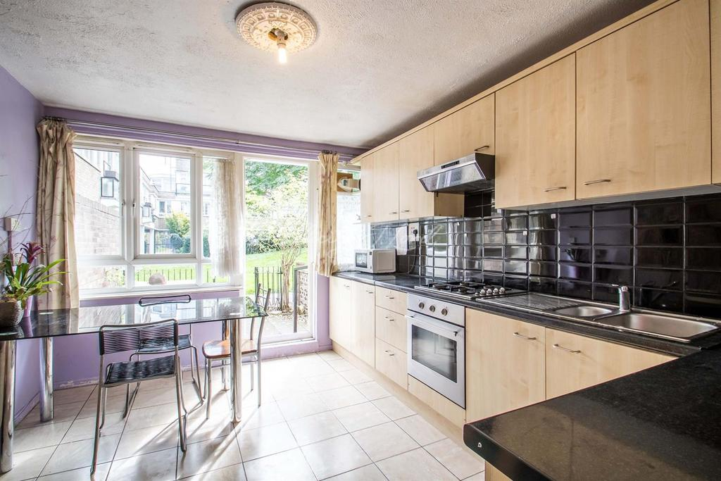 3 Bedrooms Flat for sale in Clark Street E1
