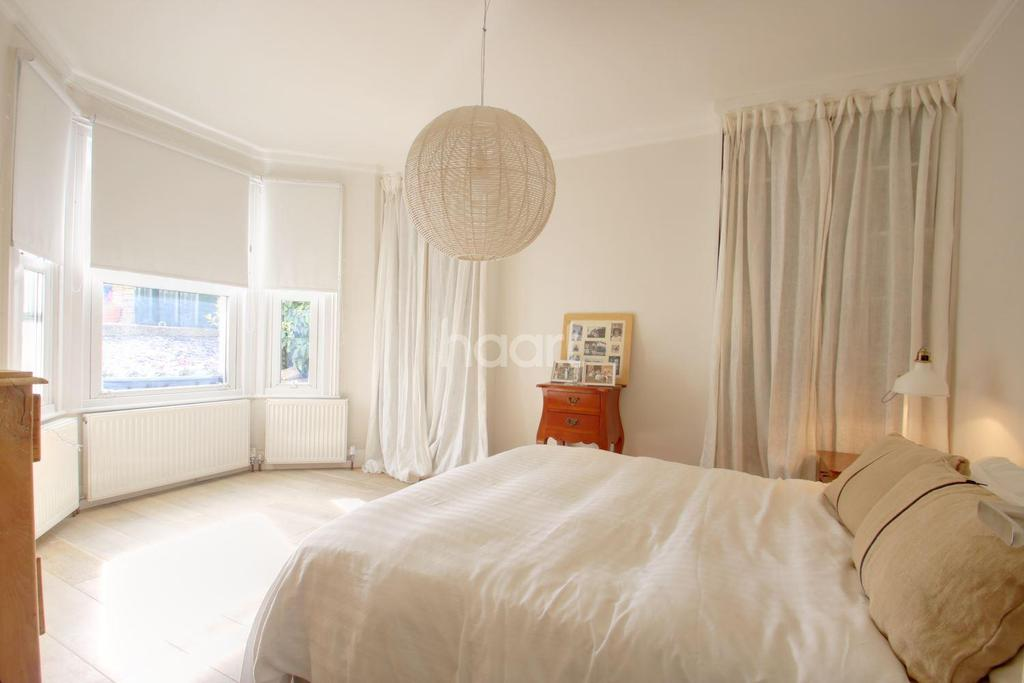 2 Bedrooms Maisonette Flat for sale in Mosslea Road, Penge, SE20