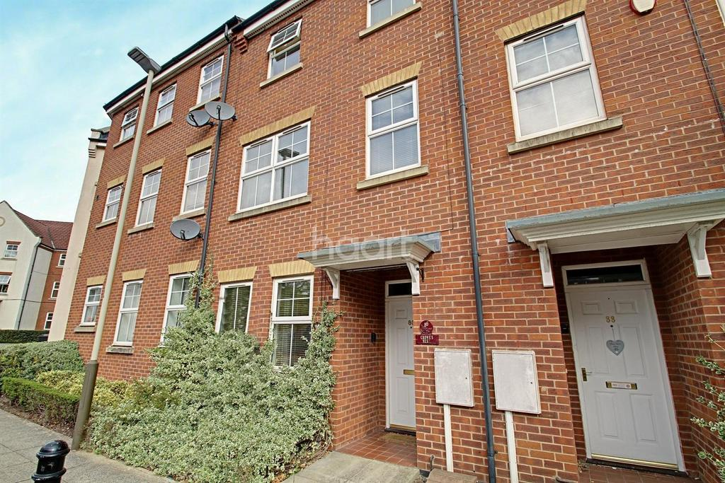 4 Bedrooms Terraced House for sale in Larchmont Road, Leicester