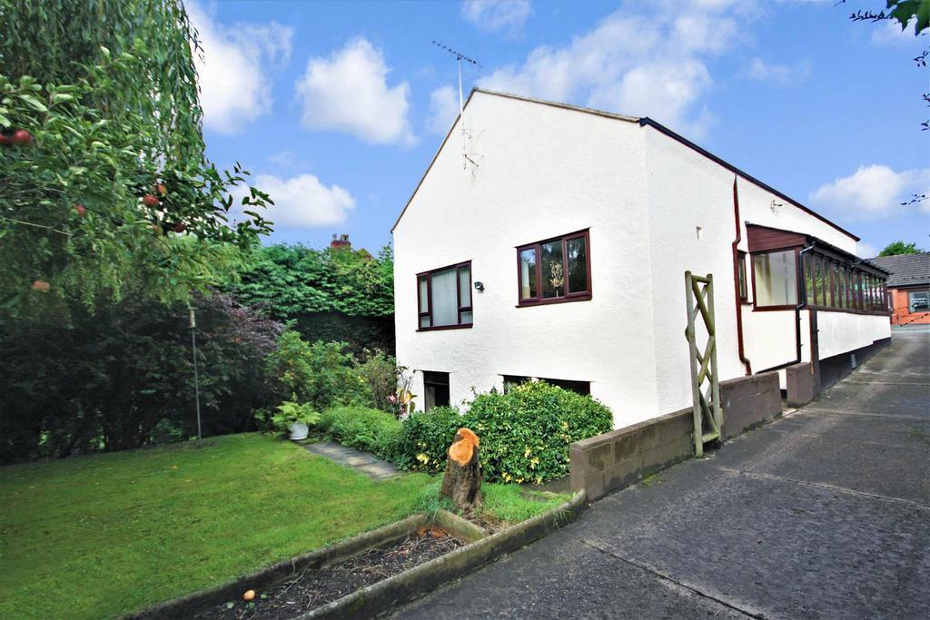 3 Bedrooms Detached House for sale in Llangollen Road, Acrefair, Wrexham