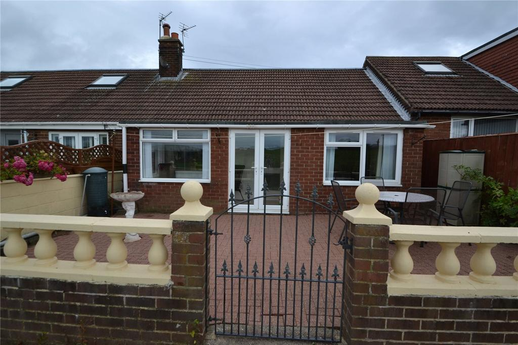 2 Bedrooms Terraced Bungalow for sale in Maureen Avenue, Blackhall, Hartlepool, TS27