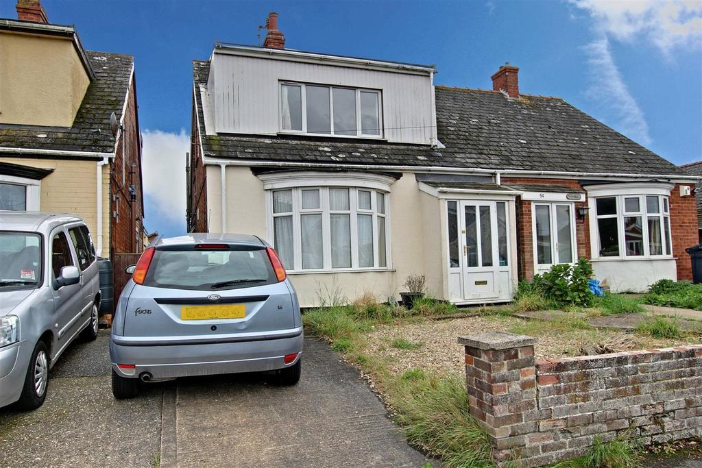 3 Bedrooms Semi Detached Bungalow for sale in 56 Regent Road, Mablethorpe