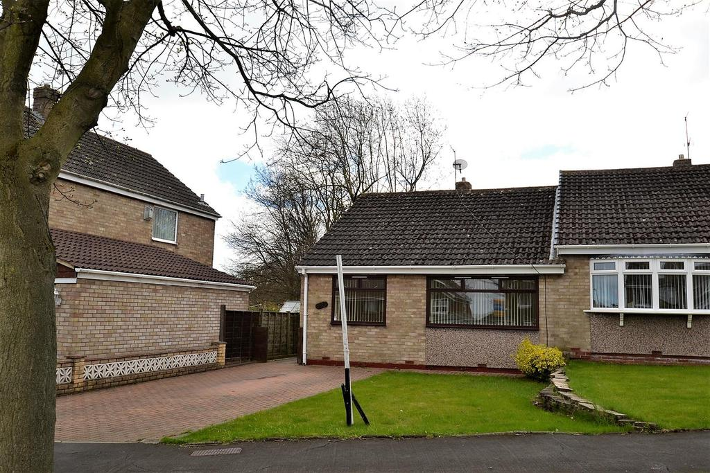 2 Bedrooms Semi Detached Bungalow for sale in Parkside, Spennymoor