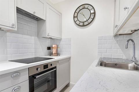 3 bedroom apartment to rent - Carburton Street, London, W1W