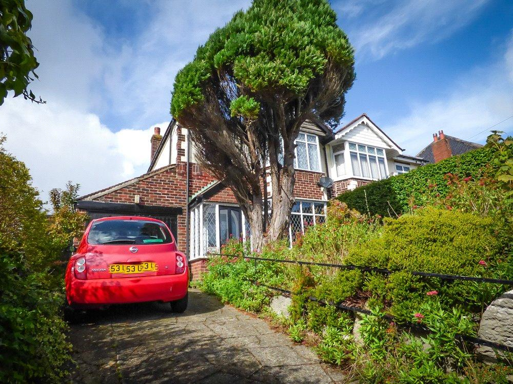 3 Bedrooms Semi Detached House for sale in Newton Drive, Blackpool, Lancashire