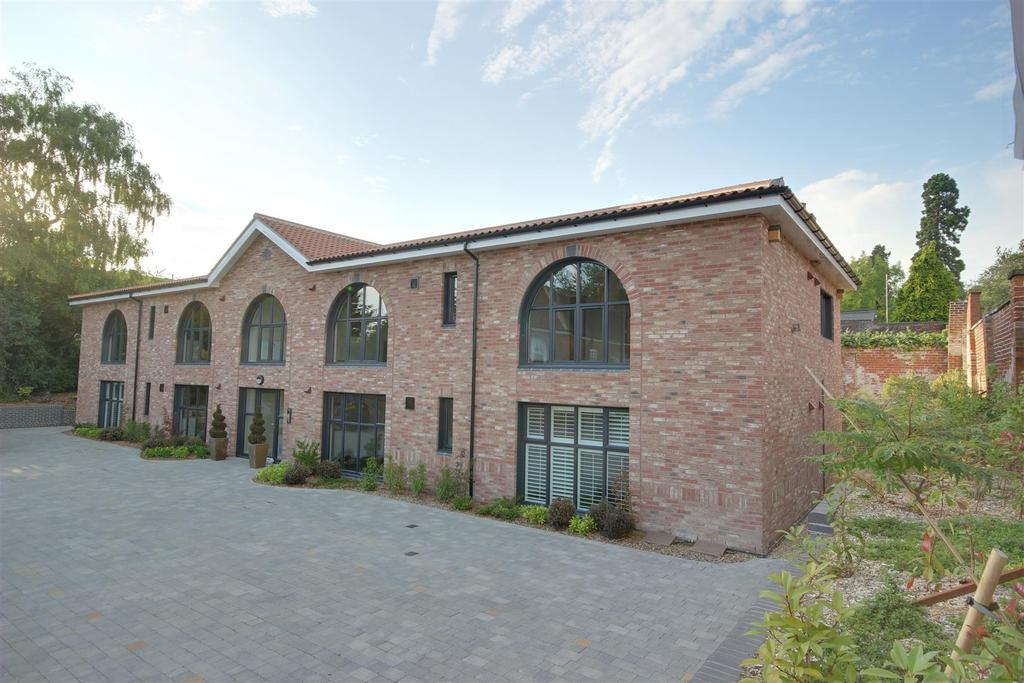 2 Bedrooms Apartment Flat for sale in Manor House Mews, Woodgates Lane, North Ferriby