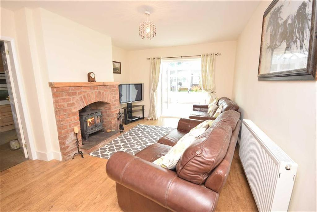 3 Bedrooms Terraced House for sale in Russell Avenue, Colne, Lancashire