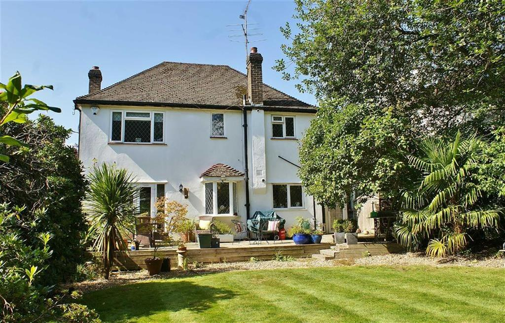 3 Bedrooms Detached House for sale in Twinoaks, Cobham, Surrey, KT11