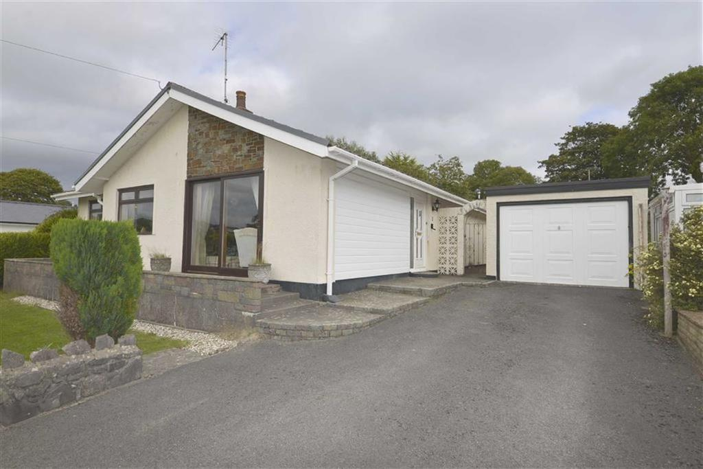 4 Bedrooms Bungalow for sale in 3, James Park, Kilgetty, Pembrokeshire, SA68