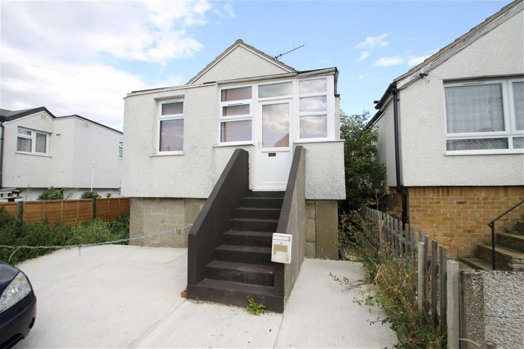 3 Bedrooms Detached Bungalow for sale in Morris Avenue, Jaywick