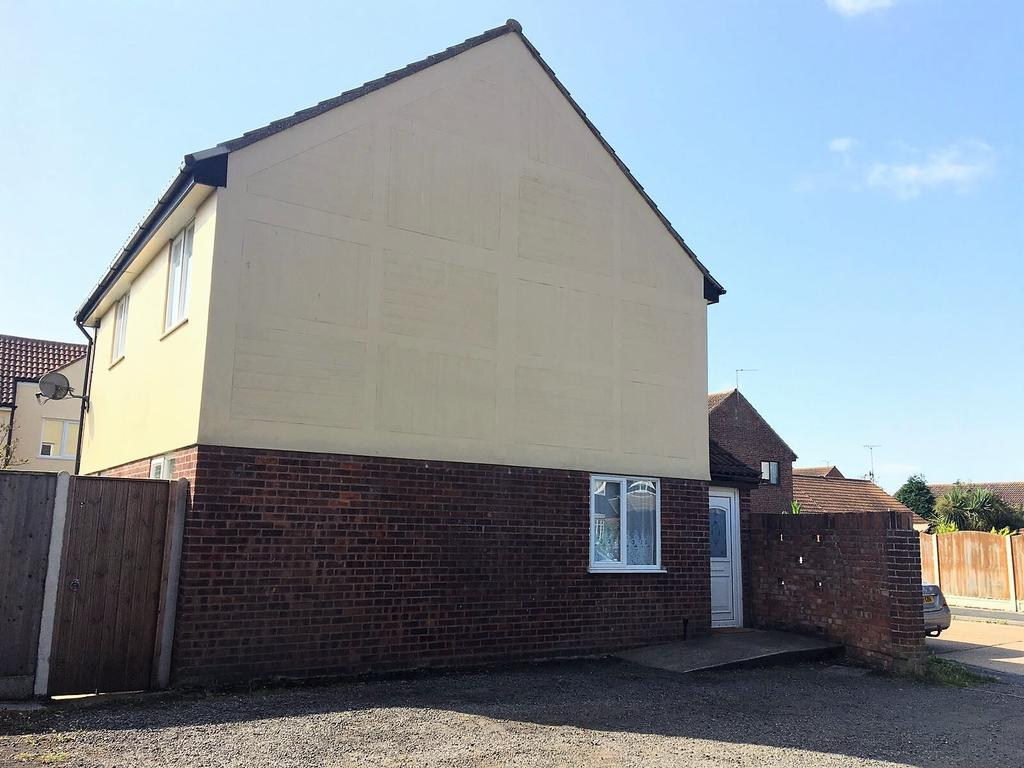 3 Bedrooms Detached House for sale in Hampstead Avenue, Clacton-on-Sea CO16