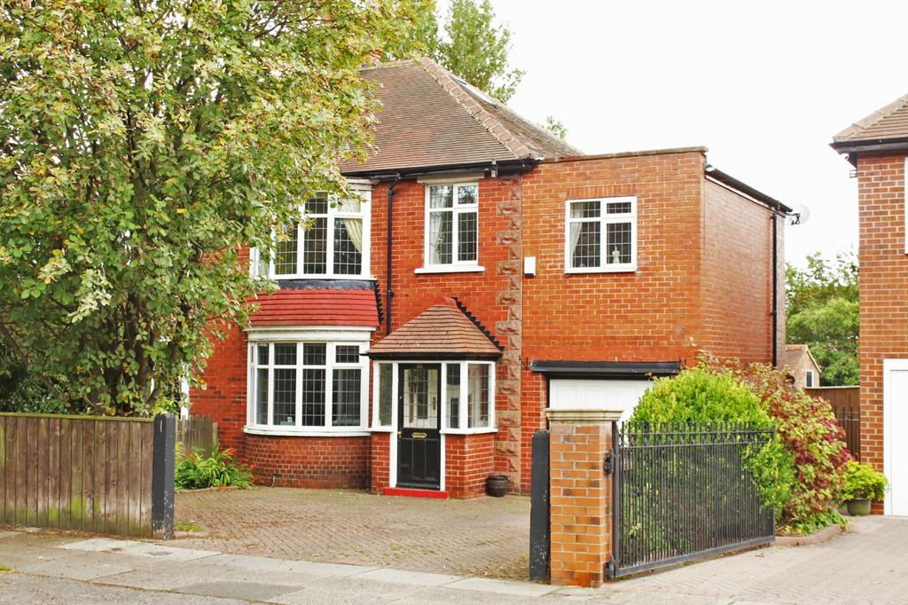 4 Bedrooms Semi Detached House for sale in Junction Road, Norton, TS20