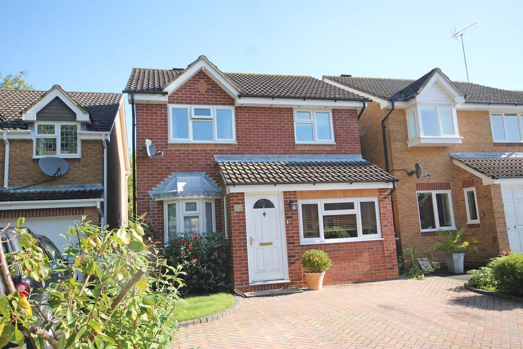 3 Bedrooms Detached House for sale in BURMESE CLOSE, Whiteley PO15