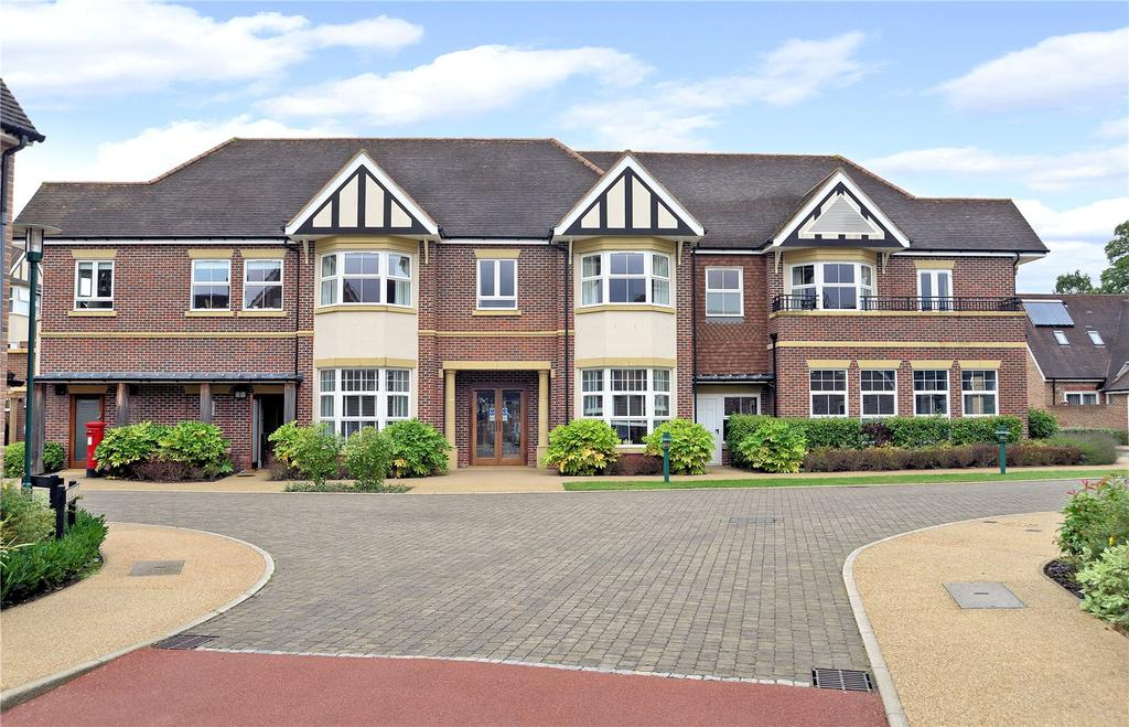 2 Bedrooms Retirement Property for sale in Flat 1 Holdenbury House, Bramshott Place, Liphook, Hampshire, GU30