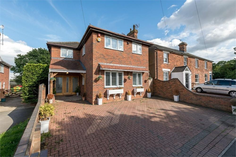 5 Bedrooms Detached House for sale in Chitts Hill, COLCHESTER, Essex