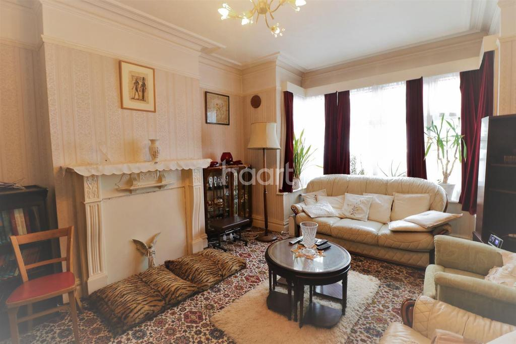 3 Bedrooms Semi Detached House for sale in Hayter Road, Brixton, SW2