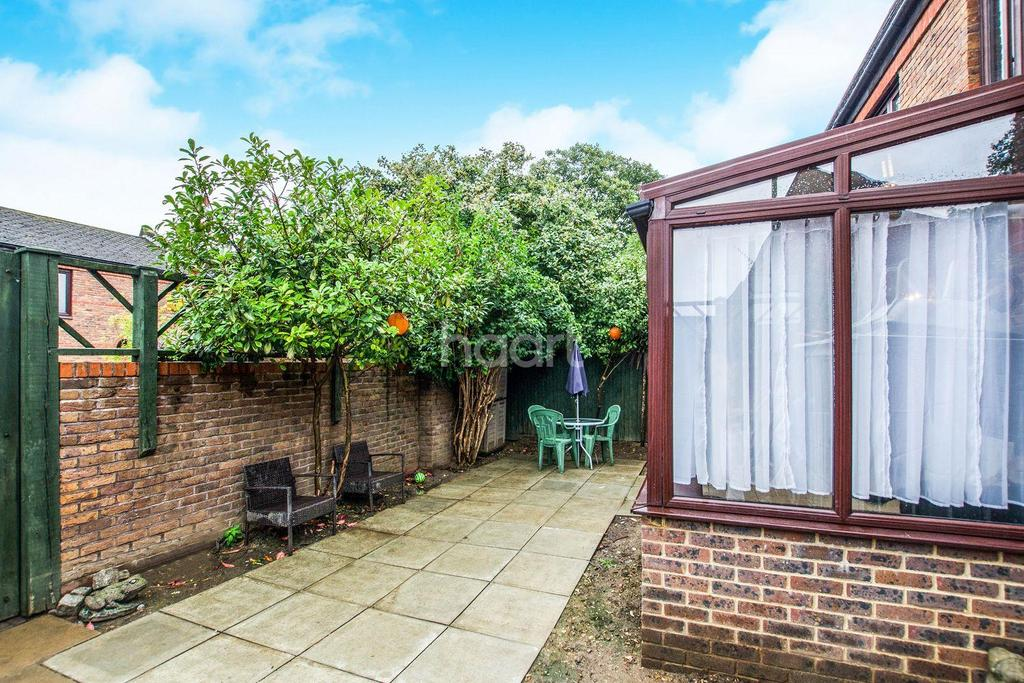 3 Bedrooms End Of Terrace House for sale in Shakespeare Road, Herne Hill, SE24