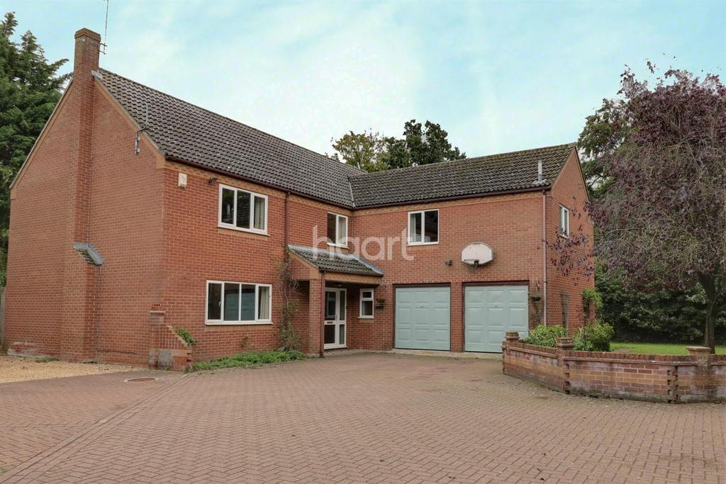 6 Bedrooms Detached House for sale in Norwich Road, Thetford