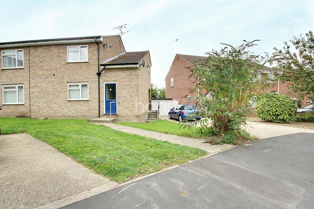 2 Bedrooms Maisonette Flat for sale in Thyme Road, Tiptree