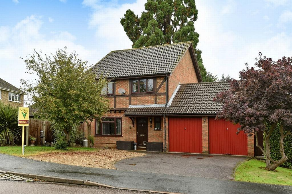 4 Bedrooms Detached House for sale in Bisley, Woking, Surrey