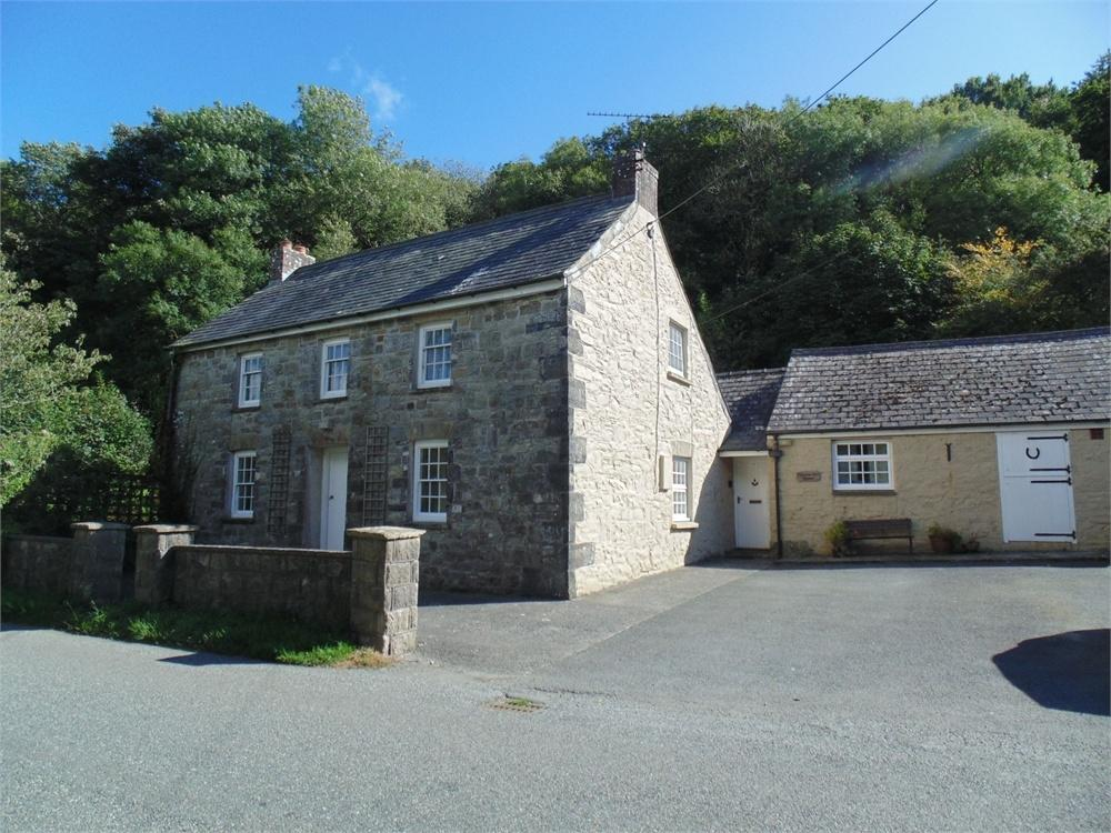 3 Bedrooms Farm House Character Property for sale in Pentrose Mill House, Clarbeston Road, Pembrokeshire