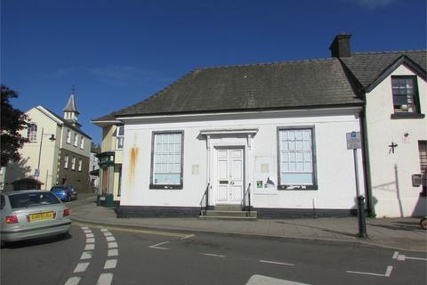 End of terrace house to rent - Market Square, Narberth, Pembrokeshire