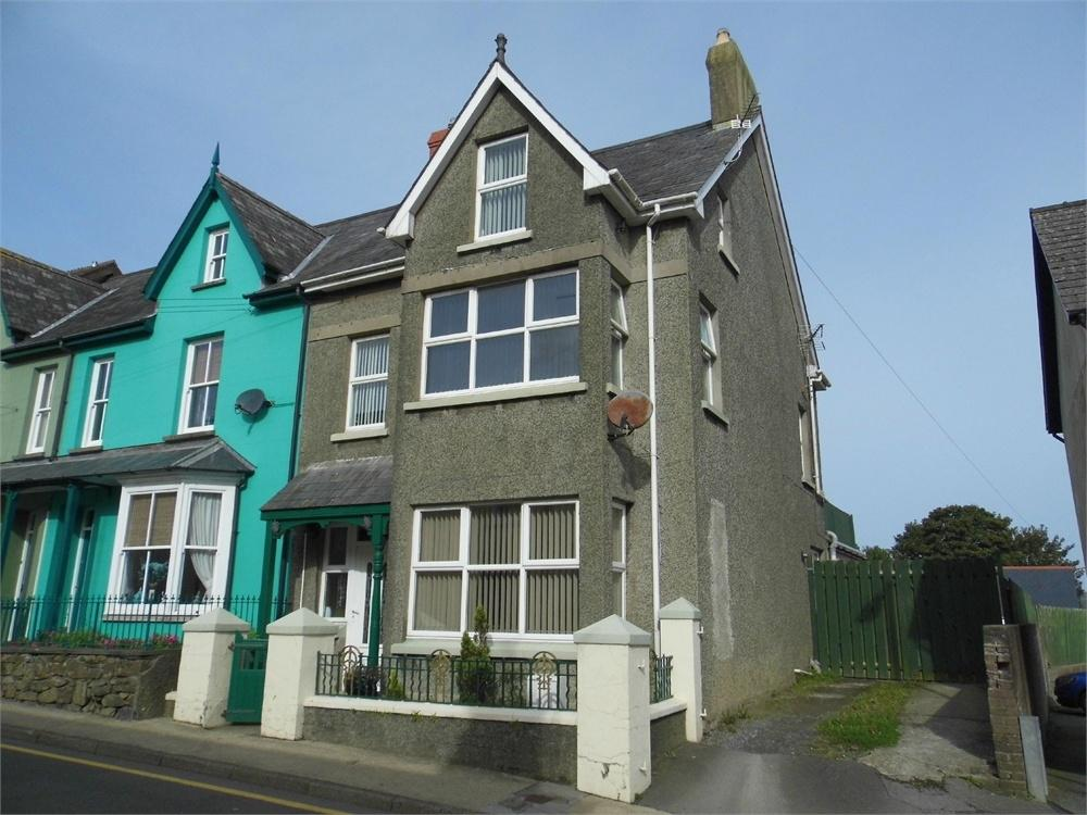 6 Bedrooms End Of Terrace House for sale in 42 High Street, Fishguard, Pembrokeshire