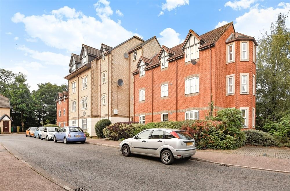2 Bedrooms Flat for sale in Sherwood House, Rembrandt Way, Reading, Berkshire