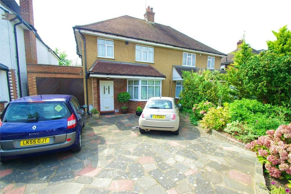 3 Bedrooms Semi Detached House for sale in The Ridgeway, WATFORD, Hertfordshire