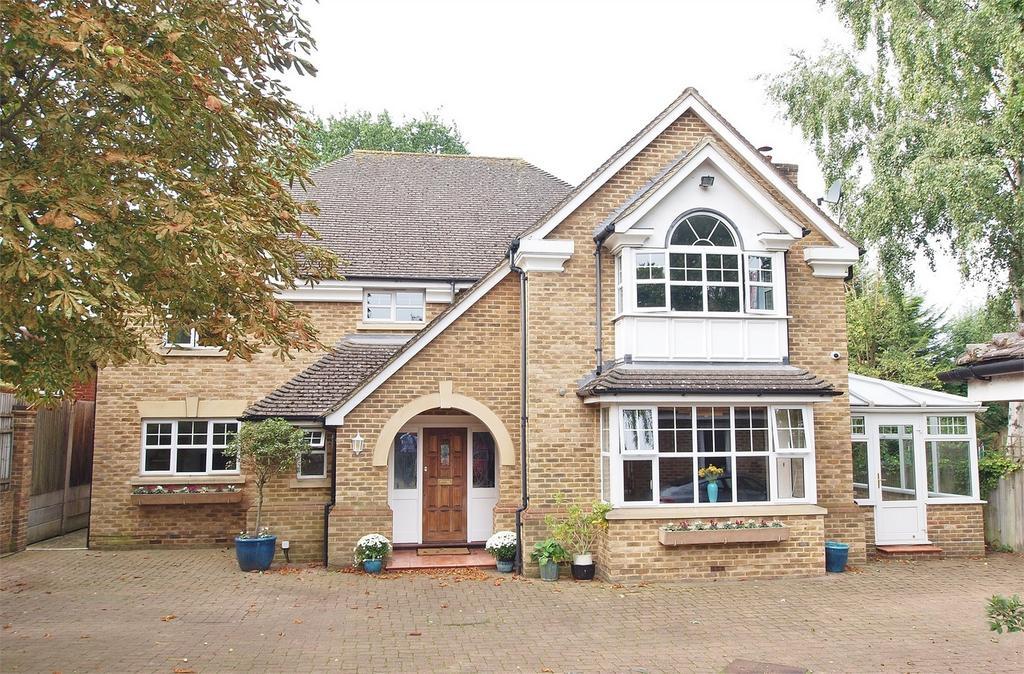5 Bedrooms Detached House for sale in Howards Crest Close, Beckenham, Kent
