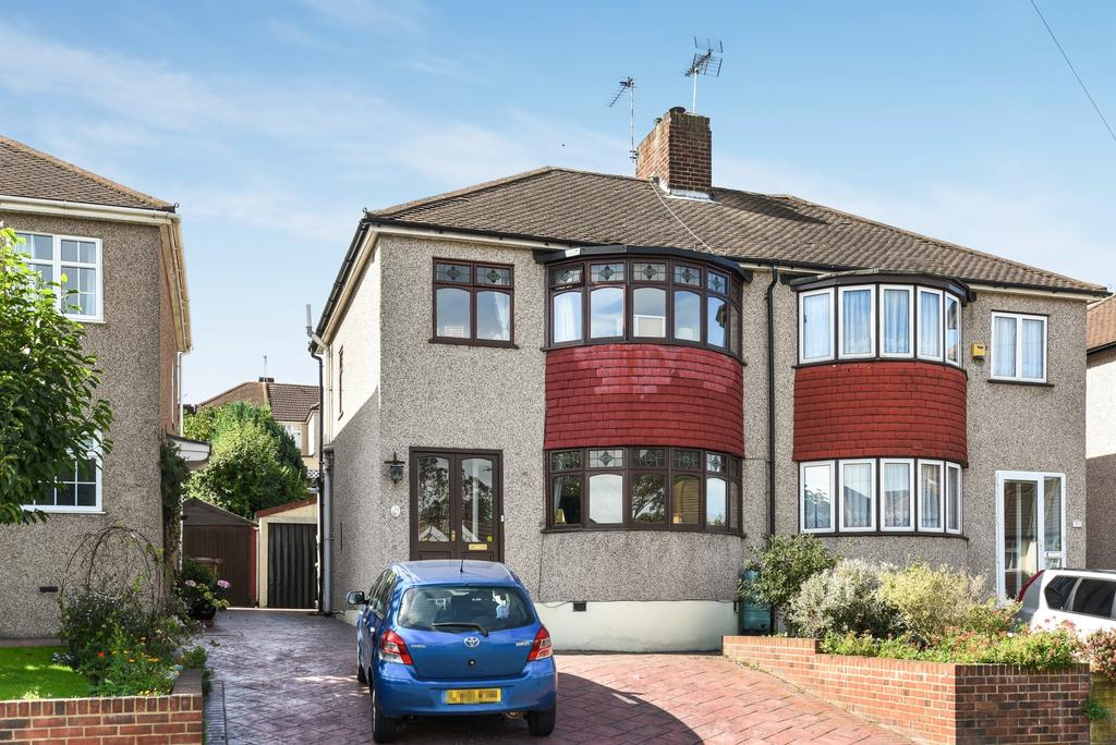 3 Bedrooms Semi Detached House for sale in Beechcroft Avenue Bexleyheath DA7
